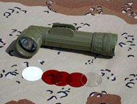 Фонарь армейского образца с комплектом сигнальных фильтров. Питание - две батареи R20