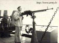 12,7-мм пулемет ДШК на морской тумбовой установке
